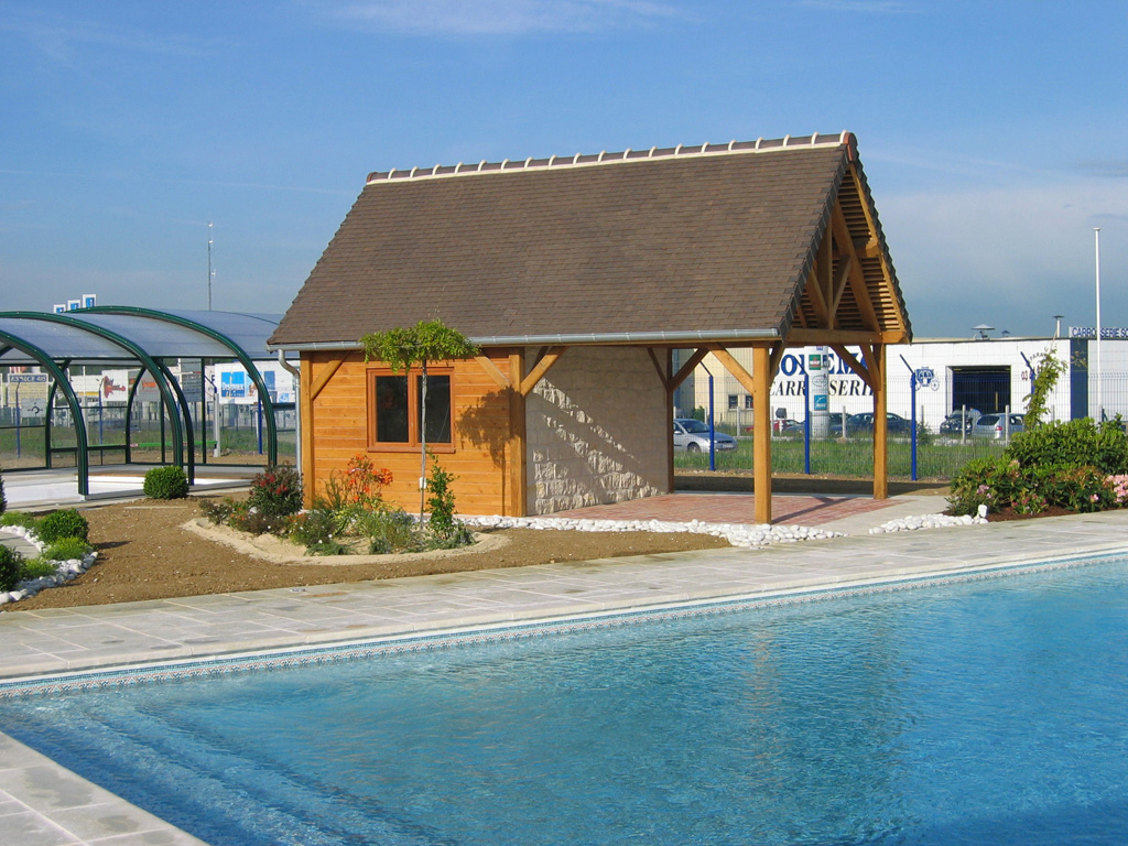 Pool house double remplissage boois/pierres de parement