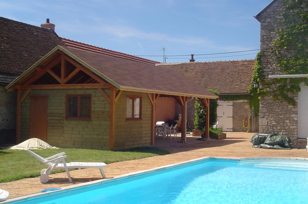 Pool house local technique tecsabois charpente - Abri de jardin pool house ...